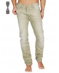 Jeans de couleur à saisir chez Génération Jeans